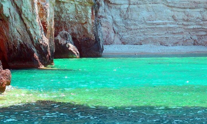 Υποσχέσεις Τσίπρα για μείωση του ΦΠΑ στον τουρισμό