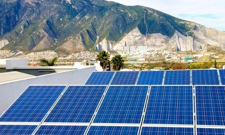 H γραφειοκρατία μπλοκάρει τους επενδυτές για τις ανανεώσιμες πηγές