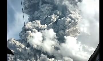 Το ηφαίστειο Σιναμπούνγκ ξύπνησε