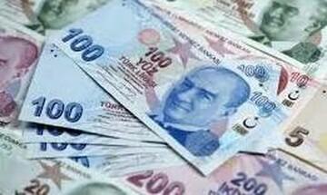 Σε πτώση η τουρκική λίρα μετά από δημοσίευμα για αμερικανικές κυρώσεις