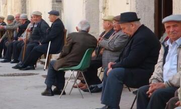 Δημογραφικό σοκ: Περισσότεροι οι άνω των 65 ετών στην Ελλάδα