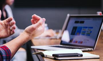 Μια στις δύο ελληνικές εταιρίες έχει μπει σε ψηφιακό μετασχηματισμό