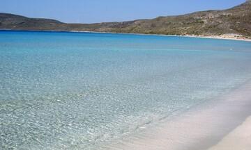 H παραλία του Σίμου στην Ελαφόνησο από ψηλά