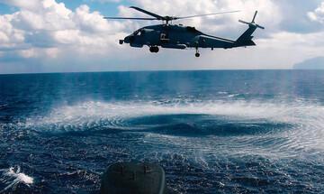 H κάμερα καταγράφει τη διάσωση ναυαγού με ελικόπτερο