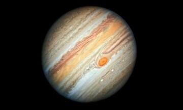 Nέα  φωτογραφία του Δία από το Hubble