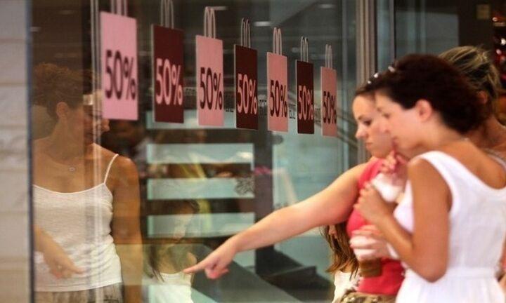Εκπτώσεις: Μικρή συμμετοχή τουριστών, χωρίς διαθέσιμο εισόδημα οι Ελληνες