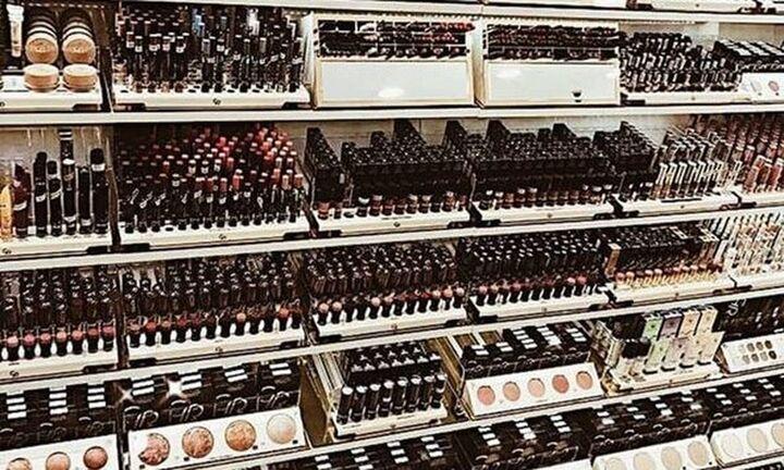 Προτιμούμε το κατάστημα παρά τη δυναμική των online αγορών στη βιομηχανία ομορφιάς
