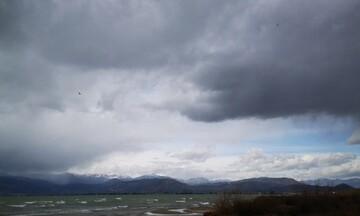 Τοπικά έντονες βροχές και καταιγίδες σήμερα