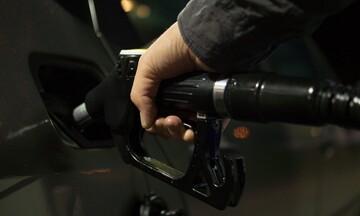 Μικρή πτώση στην τιμή του πετρελαίου