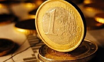 Σε χαμηλό δύο ετών  το ευρώ