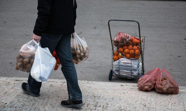 ΕΛΣΤΑΤ: Αύξηση 5% στο διαθέσιμο εισόδημα των νοικοκυριών