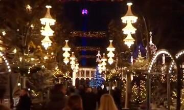 Δανία: Άνοιξε η παραμυθένια χριστουγεννιάτικη αγορά του Τίβολι