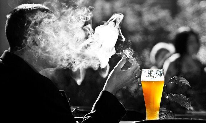Αντκαπνιστικός: «Eπεσαν» τα πρώτα πρόστιμα