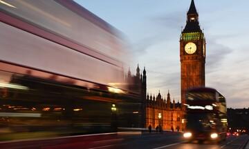 Κέρδισαν οι Συντηρητικοί και το Brexit στη Βρετανία