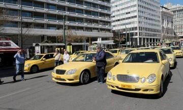 ΕΦΚΑ: Μη καταβολή εισφορών Δώρου Χριστουγέννων για τους οδηγούς ταξί