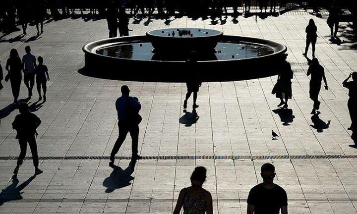 ΙΝΕ/ΓΣΕΕ: Ποιοτικά εύθραυστη και εξωτερικά ευάλωτη η αναπτυξιακή δυναμική της οικονομίας