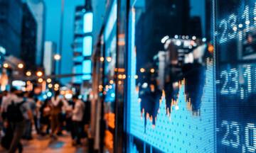 Η παγκόσμια οικονομία απειλείται με αργή ασφυξία