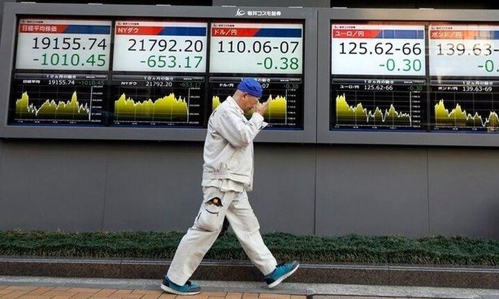 Παρά την πτώση ο Nikkei έκλεισε στο υψηλότερο επίπεδο από το 1990