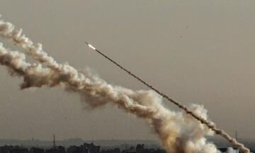 Διαδοχικές πυραυλικές επιθέσεις στη Βαγδάτη: Στοχοποιήθηκαν η αμερικανική πρεσβεία & αεροπορική βάση