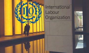 ΔΟΕ: 470 εκατ. άνθρωποι εργάζονται αλλά χωρίς επαρκή αμοιβή
