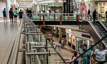 Δια ζώσης συστάσεις προτιμούν οι καταναλωτές στις αγορές τους