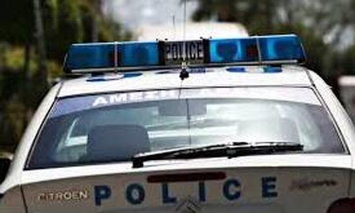Ληστεία με πυροβολισμούς σε μίνι μάρκετ στη Γλυφάδα