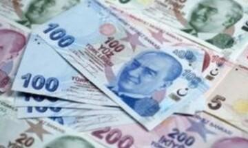 Σε χαμηλό εννεαμήνου η τουρκική λίρα