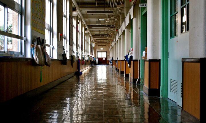 «Λουκέτο» 14 ημέρες στα σχολεία
