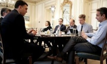 Καθημερινές συναντήσεις του πρωθυπουργού με το υπ. Υγείας