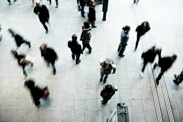 Πέτσας: Αυστηρά μέτρα για τους κερδοσκόπους - Έρχεται περιορισμός στις συναθροίσεις