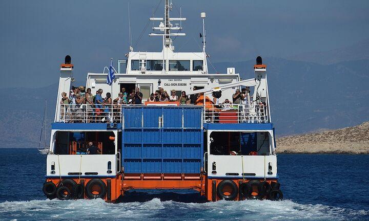 Μπαίνουν περιορισμοί στις μετακινήσεις με πλοία