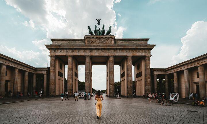 """Εμμένει η Γερμανία στο """"nein"""" στα ευρωομόλογα"""