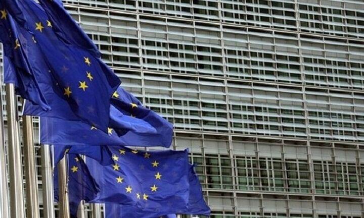 Ράβε-ξήλωνε στο Eurogroup σε αναζήτηση συμβιβασμού
