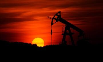 Συμφωνία στον ΟΠΕΚ ανεβάζει το πετρέλαιο