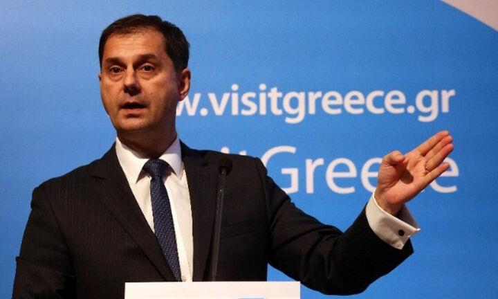 Θεοχάρης: Με υγειονομικό διαβατήριο οι τουρίστες στην Ελλάδα