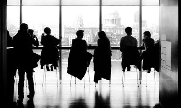 Πρόβλημα ρευστότητας για το 85% και δραματική υποχώρηση πωλήσεων για 9 στις 10 επιχειρήσεις