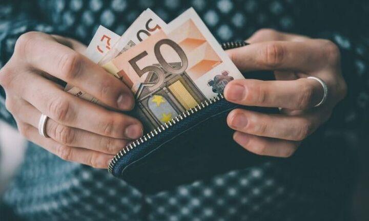 Ποιοι συνταξιούχοι θα δουν σήμερα χρήματα στον λογαριασμό τους
