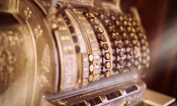 Ζητούν παράταση για τις ταμειακές μηχανές