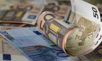 «Βροχή» 2 δισ. ευρώ από σήμερα – Ποιοι θα πάρουν και πόσα (video)