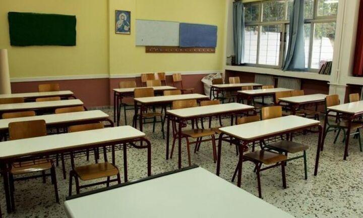 Στα θρανία… μέρα παρά μέρα – Όλη η εγκύκλιος για την επαναλειτουργία των σχολείων