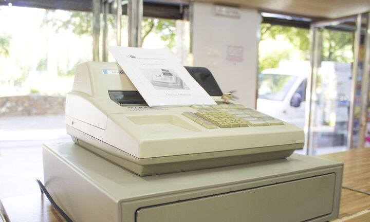 Δύο μήνες παράταση για την αλλαγή των ταμειακών μηχανών