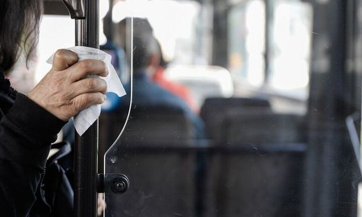 Περισσότερα δρομολόγια στα μέσα μεταφοράς- Υποχρεωτική η χρήση μάσκας