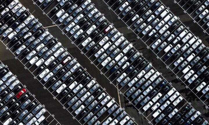 Ο κορονοϊός βούλιαξε τις πωλήσεις αυτοκινήτων