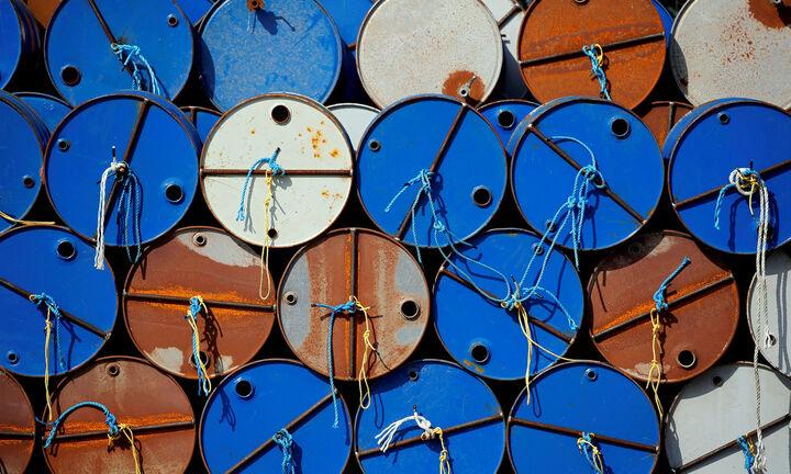 IEA: Προς πτώση-ρεκόρ η ζήτηση για πετρέλαιο το 2020