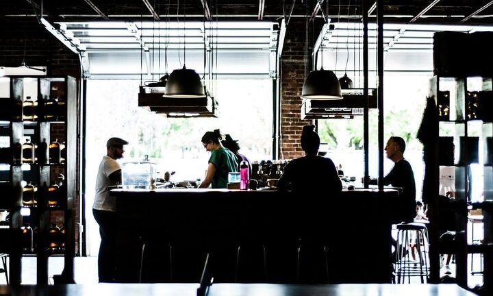 «Απελευθερώνονται» εστιατόρια, καφέ, μπαρ, μετακινήσεις