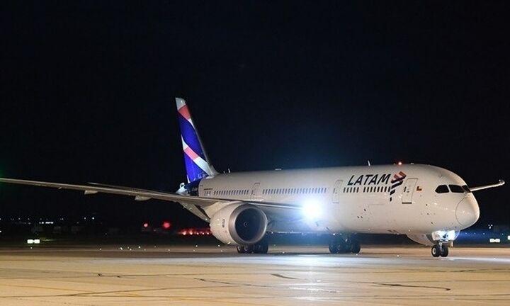 LATAM: Σε καθεστώς χρεοκοπίας η μεγαλύτερη αεροπορική της Λατινικής Αμερικής