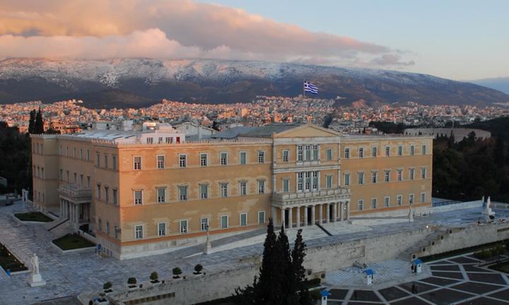 Παραμένει η μεγάλη διαφορά Ν.Δ. - ΣΥΡΙΖΑ