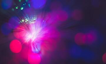 Επεκτείνεται το δίκτυο οπτικών ινών της COSMOTE