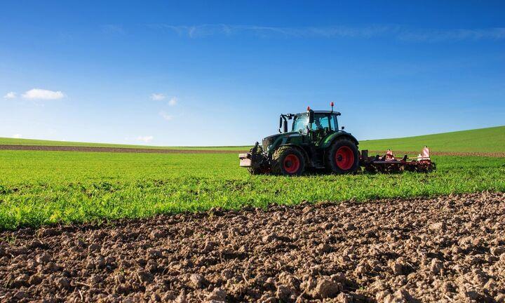"""ΥΠΑΑΤ: Με ένα """"κλικ"""" η βεβαίωση επαγγελματία αγρότη"""