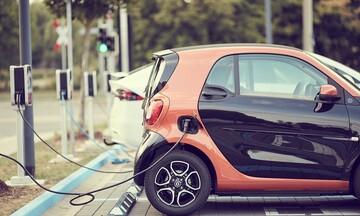 «Μποναμάς» 10.000 ευρώ για την αγορά ηλεκτροκίνητου αυτοκινήτου